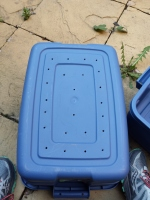 tote bin with holes in the bottom